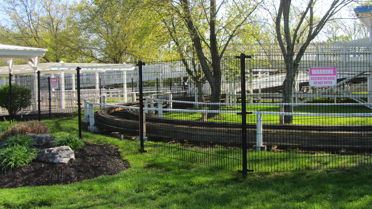 Strong, secure and effective chain link fencing by Ashlee Fence.